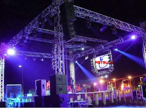 1,承接舞台,音响,灯光,铝合金架,视频器材单项或全套工程服务:演唱